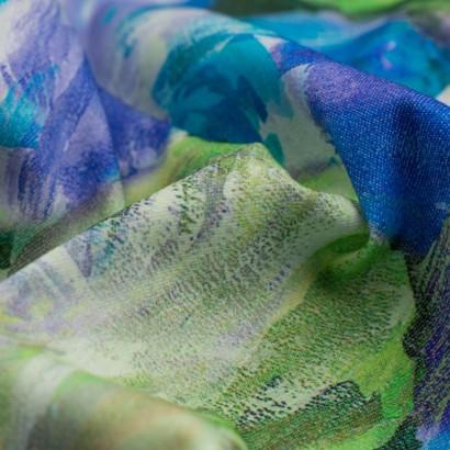 Tela de algodón estampado floral detalle