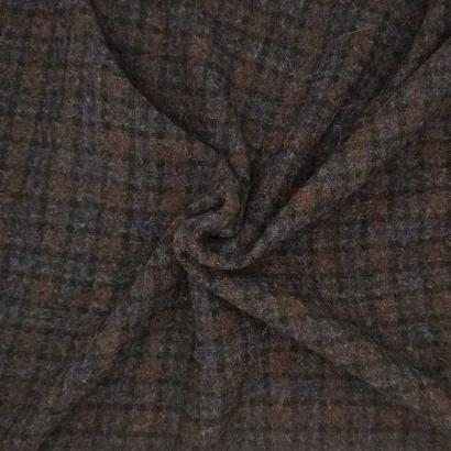 Tela de paño de cuadritos difuminados arrugada