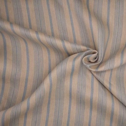 Tela de algodón raya cruda y azul arrugada