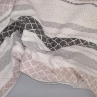 Tela de franela rayas arrugada