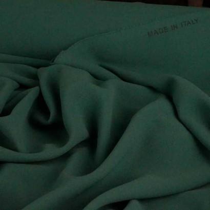 Tela de crepé verde arrugada