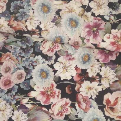 Tela de algodón negra flores azules y rosas lomo