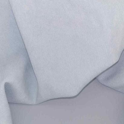 Tela de micropana azul claro arrugada
