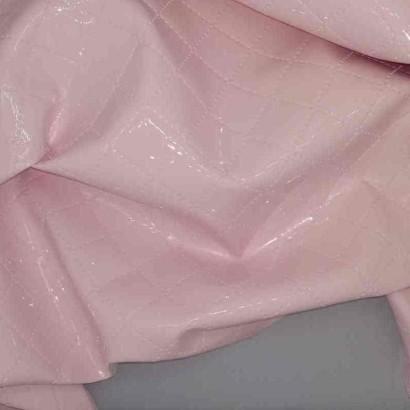 Tela de guata plastificada rosa arrugada