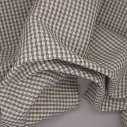 Tela de loneta vichy cuadro pequeño gris arrugada