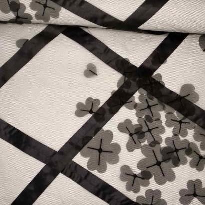 Tela de tul rombos y flores lomo