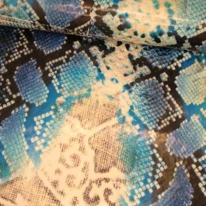Tela de impermeable cavalli azul lomo