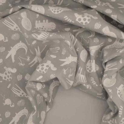 Tela de algodón animales gris arrugada