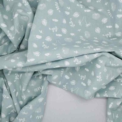 Tela de algodón flora azul arrugada
