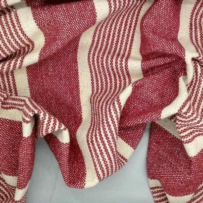 Tela de loneta gruesa de raya desigual rojo arrugada