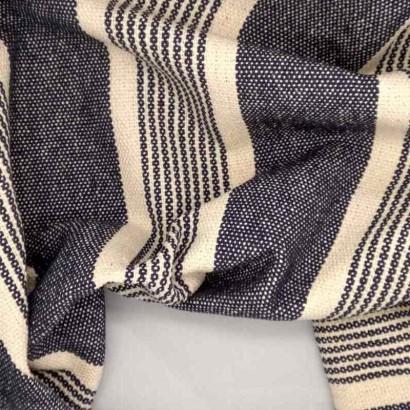 Tela de loneta gruesa de raya desigual azul arrugada