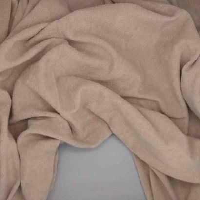 Tela de toalla fina rosa arrugada