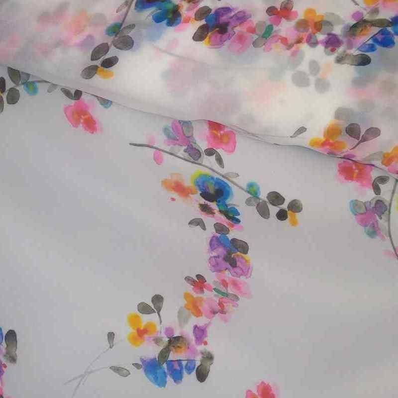 Tela de organza blanca con flores vivas lomo