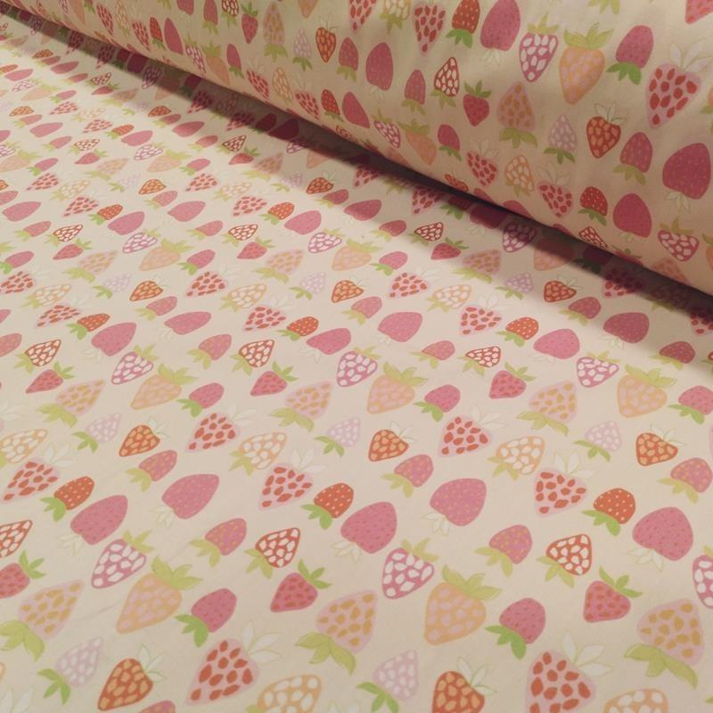 Tela de algodón con fresas lomo