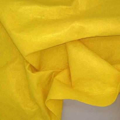 Tela de fieltro amarillo arrugada