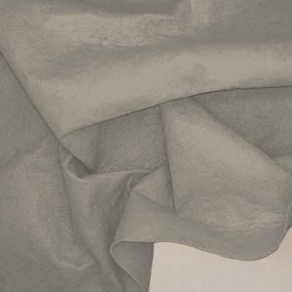 Tela de fieltro arrugada gris
