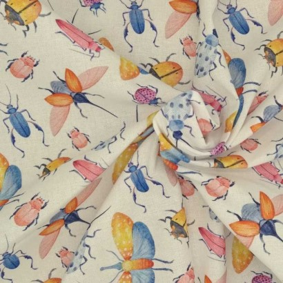 Tela de algodón de insectos arrugada