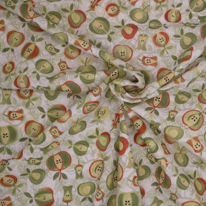 Tela de algodón de manzanas arrugada