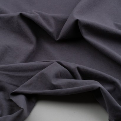 Tela de punto camiseta lisa algodón gris arrugada