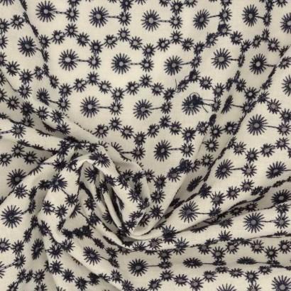 Tela de algodón perforado azul arrugado