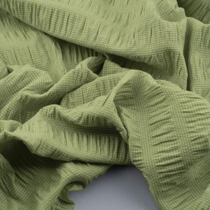 Tela seersucker vichy verde arrugada