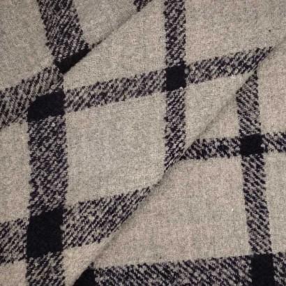 Tela de lana cuadro gris y azul arrugado 1
