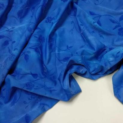 Tela de lycra adamascada azul arrugada