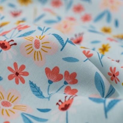 Tela de algodón flores variadas detalle